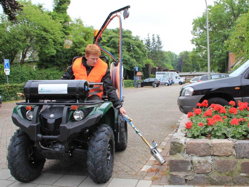 Pour Désherber dans votre commune : Désherbeur écologique pour la ville AIR-Handunit weed controlIR-Handunit weed control